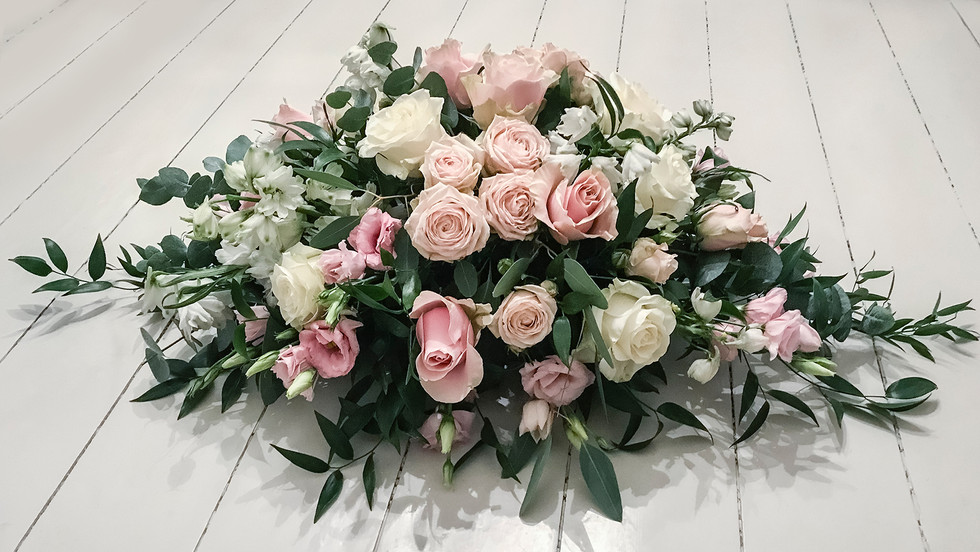 Garden Rose and Lisianthus