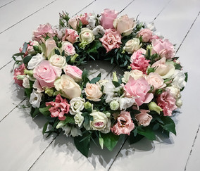 Garden Rose and Frilly Lisianthus