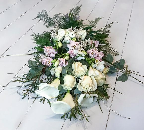 Calla, Lisianthus and Rose
