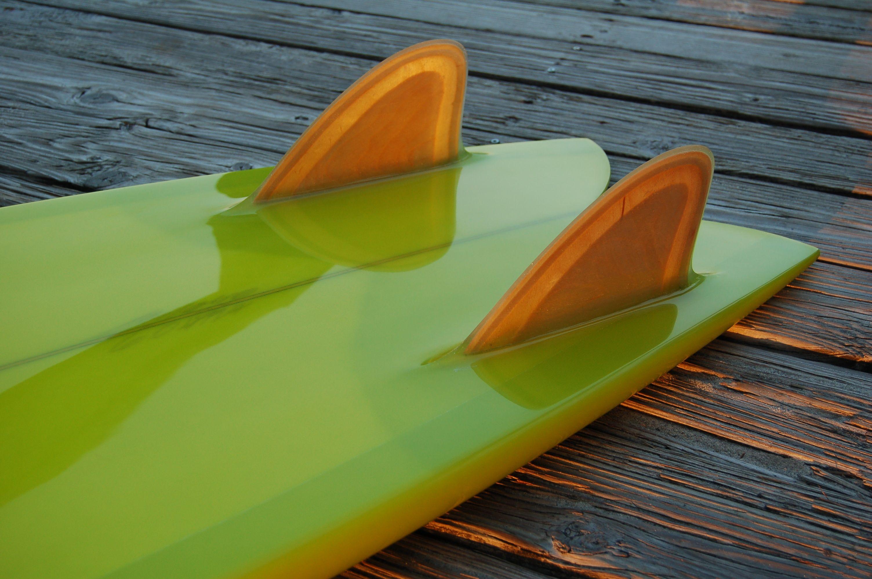 apple green twin keel - fin detail
