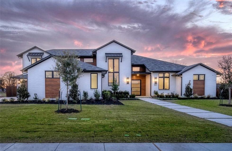 Modern Custom Home in Colleyville Texas.jpg