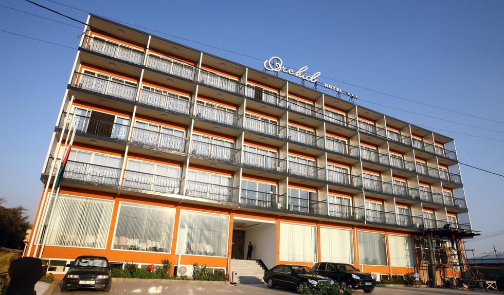 hotel1b.jpg