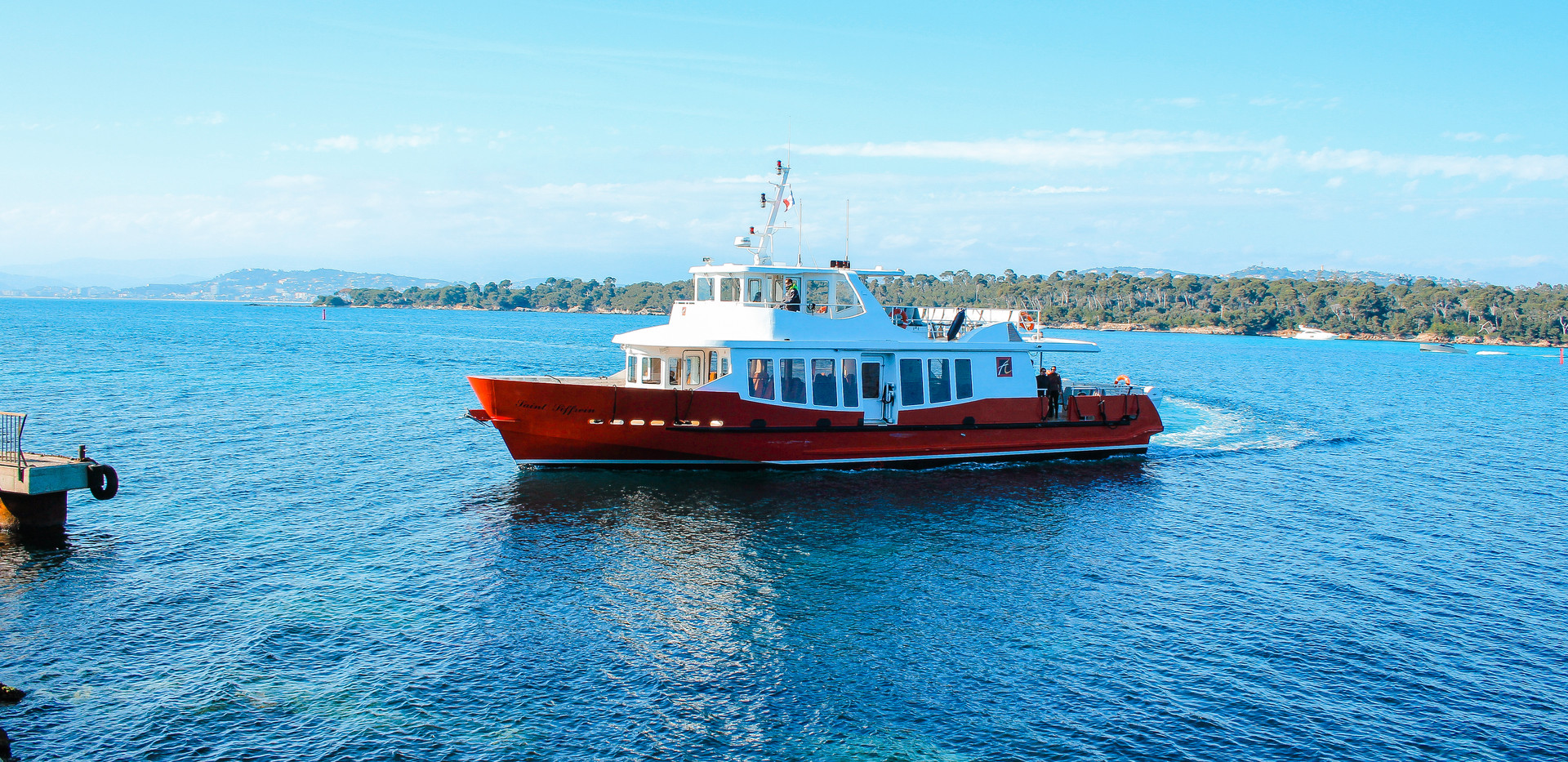 Boat to Ile Saint Honorat