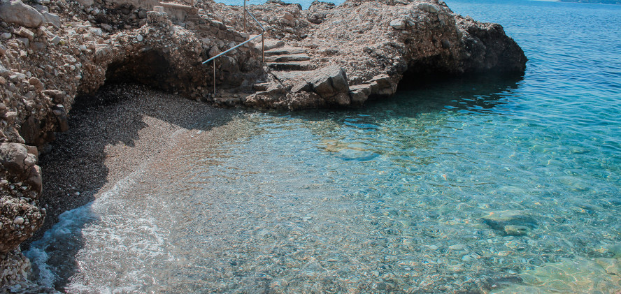 Stunning Pools Near Eze