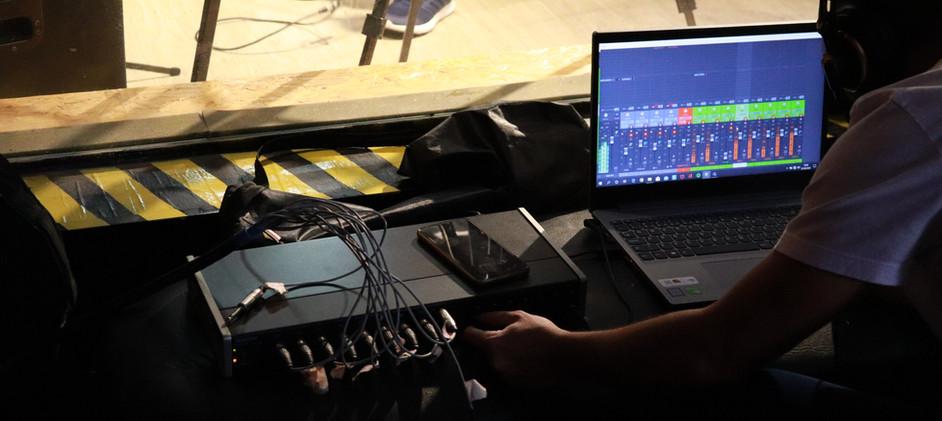 Sandro configurando a interface