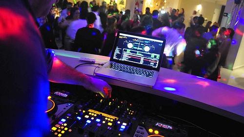 dj-som-festa-casamento-debutante-telao-d