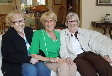 3 Nurses DSCN5582.jpg