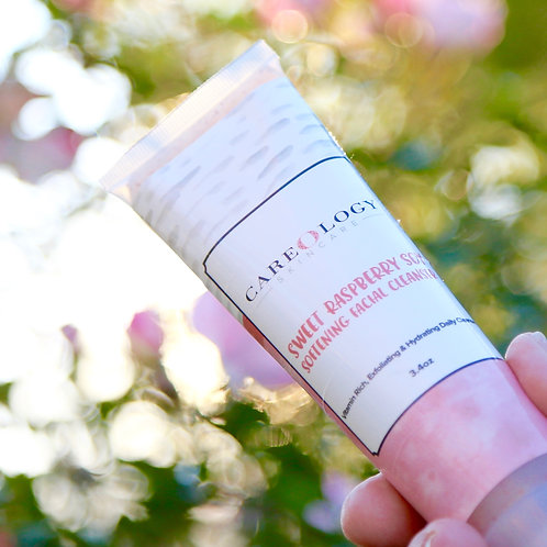 Natural Vitamin Rich, Exfoliating & Hydrating Daily Cleanser