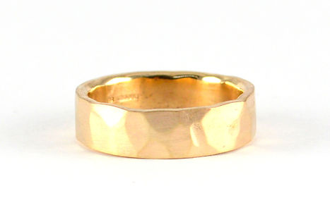 Melted gold used to make a new mens wedding ring | HR Jewellery Designs Chichester West Sussex