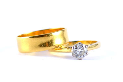 sentimental engagement and wedding ring for jewellery remodelling   HR Jewellery Designs