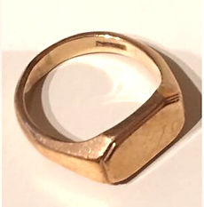 inherited sentimental ring to be redesigned and remade by HR Jewellery Designs | Jeweller in Hampshire