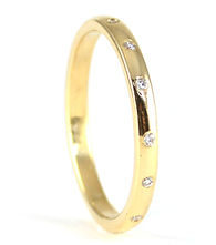 Reused diamonds set into new wedding ring by HR Jewellery Designs Chichester, West Sussex / Hampshire