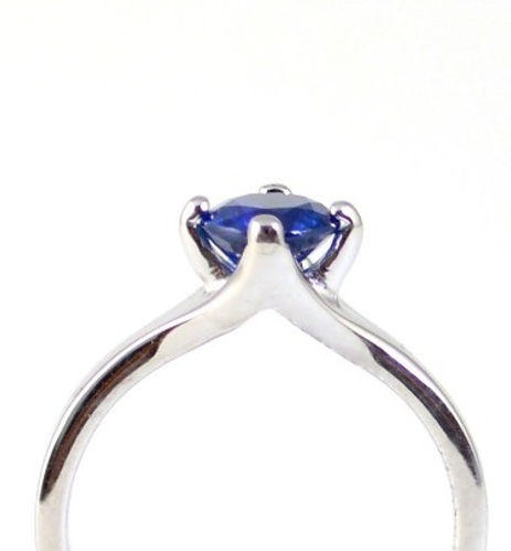 Bespoke handmade Engagement rings by HR Jewellery Designs in West Sussex / Hampshire.