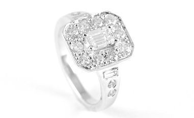 HR Jewellery Designs Hampshire Remodelled diamond cluster engagement ring