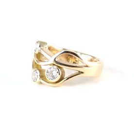 Remodelling sentimental gold into a ring by HR Jewellery Designs Guildford, Surrey