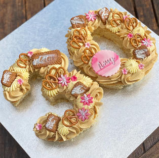 LETTER / NUMBER CAKES