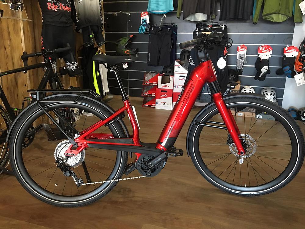 Nuova bici da città a pedalata assistita di Cannondale Mavaro Neo 5+