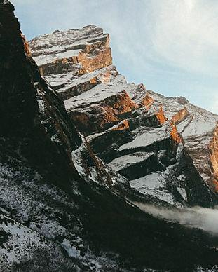 Beautiful multiday Himalayan mountain treks in Nepal