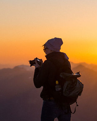 Learn photography through workshops. Learn to use a DSLR camera like a pro on your travels and journeys.
