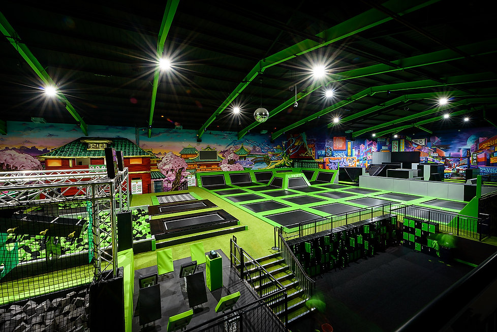 trampoline ninja warrior indoor