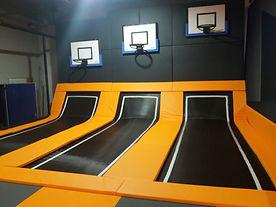 trampoline dunk basket