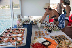 "Catering on the ""Sea Experience"""