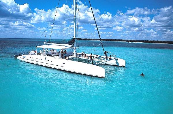 Tahiti 80 motor catamaran / Catamaran Tahiti 80 a motor
