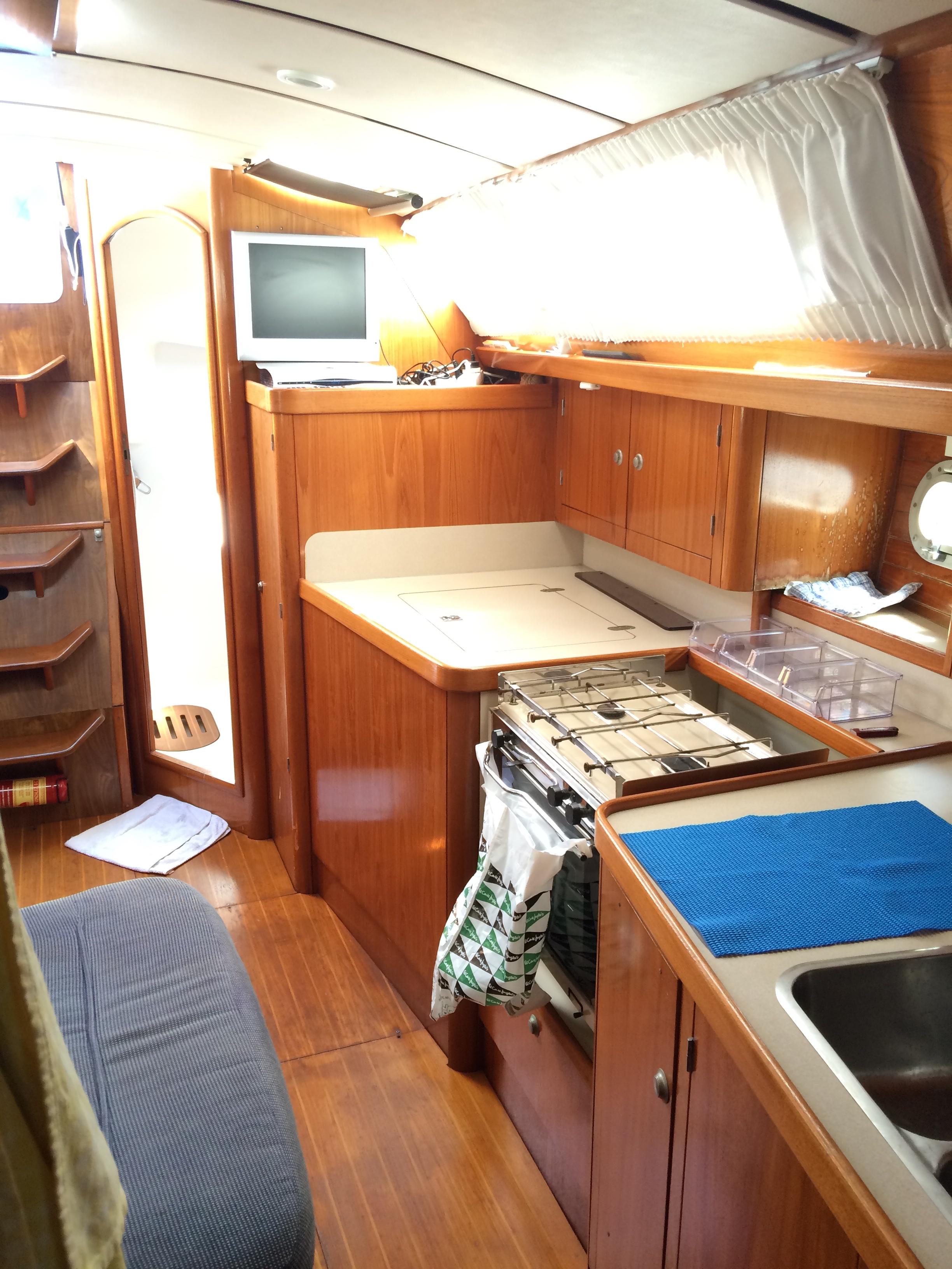 Kitchen of the Sun Odyssey 37.1 / Cocina del Sun Odyssey 37.1