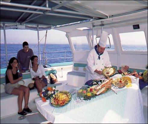 Catering at Tahiti 80 / Catering en el Tahiti 80