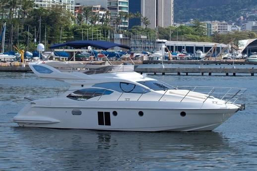 Azimut 43 Fly sailing / Azimut 43 Fly navegando