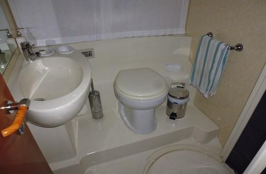 Full toilet / Aseo completo