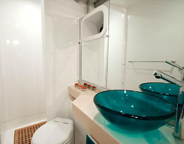 Toilet of the Sunreef 62 / Aseo del Sunreef 62