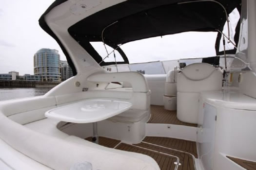 Exterior with awning from Sessa Marine 36 with awning / Exterior con toldo del Sessa Marine 36 con toldo