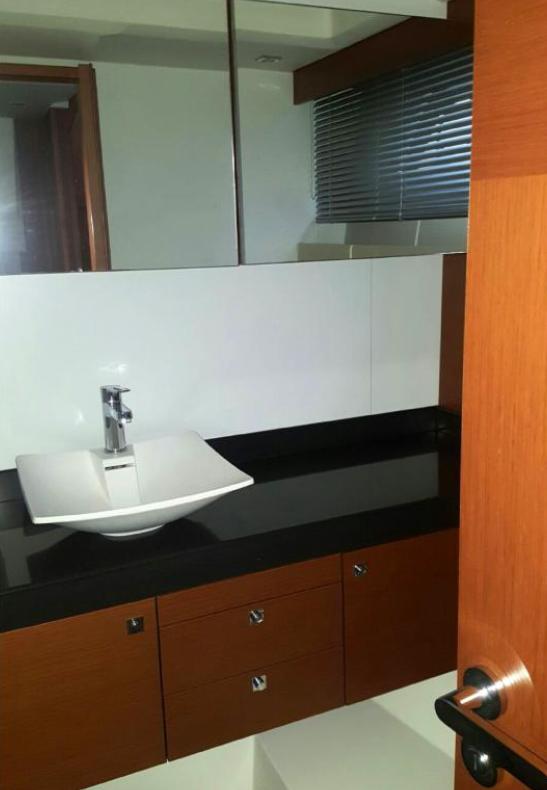 Second toilet / Segundo aseo