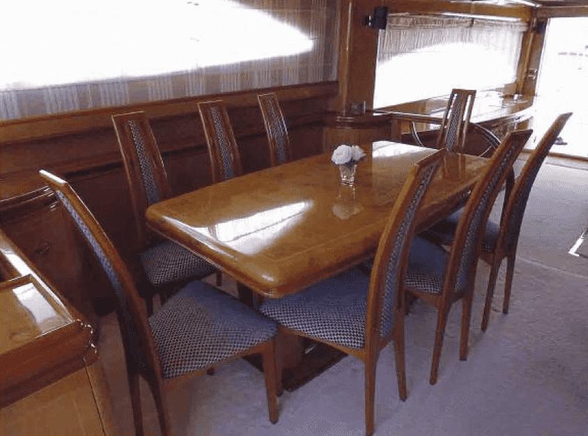 Astondoa 72 dining room / Comedor del Astondoa 72