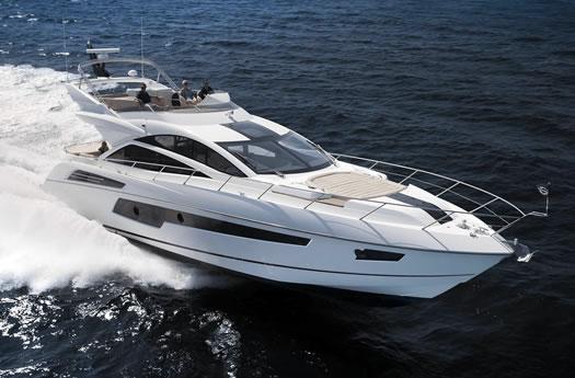 Sunseeker 68 Sport Yacht sailing / Sunseeker 68 Sport Yacht navegando