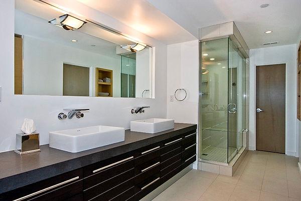 Manhattan Beach Bathroom.jpeg
