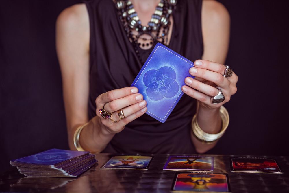 Blog 12Voyance - Tirer les cartes par téléphone