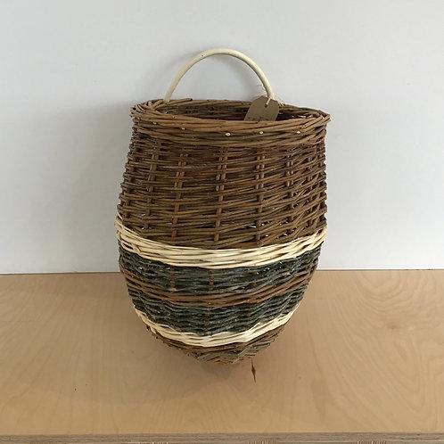 Wall basket, white willow and holly
