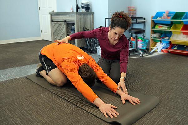 Jannalee Edgar Helping Hockey athletes in yorkton physiotherapy clinic