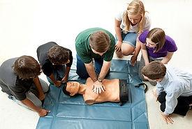Teenagers-Learning-CPR.jpg