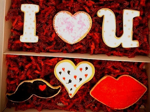 Mr & Mrs Valentines Gift Box