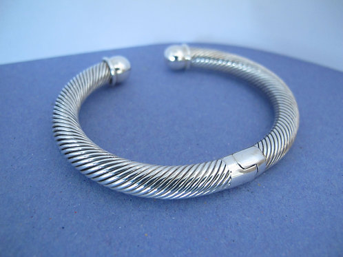 Solid Silver spiral twist hinged bangle