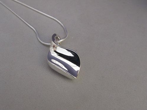Silver Pendant + chain