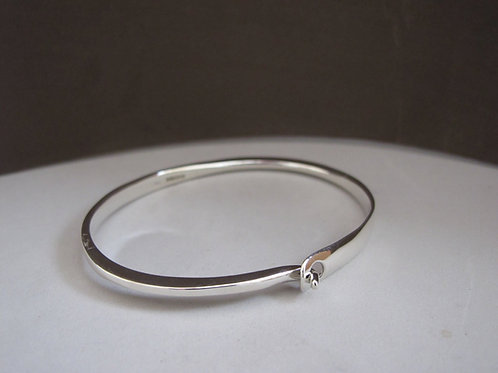 Elegant Solid Silver Bangle