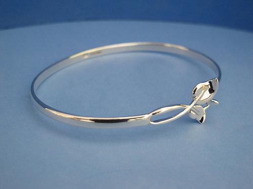 Silver lily leaf bangle