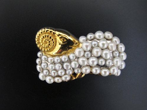 Silver/Gold Pearls Sheep Brooch