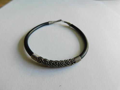 Rubberen armband met staal 2