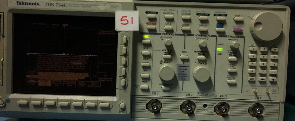 Tektronix TDS754C Color 4 Channel Oscilloscope 500MHz 2GSa/s