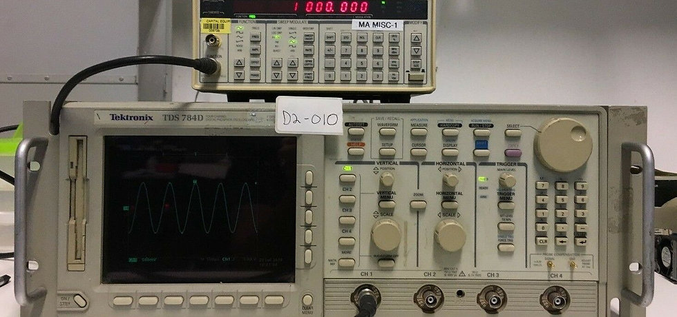 Tektronix TDS 784D Digital Oscilloscope W/ Opt 05/1M/2M/2C/3C/4C